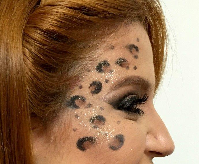 Bianca Andrade, a Boca Rosa, ensina como fazer uma maquiagem de oncinha http://gshow.globo.com/como-fazer/noticia/2016/01/maquiagem-de-carnaval-bianca-andrade-ensina-fazer-uma-onca.html