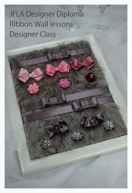 "Gray Pink Design.JFLA Designer's Diploma Class.Ribbon Work technic.Design,material,Lesson,.Mokuba Ribbon.JFLAデザイナーズ資格リボンウォールデコレーションクラス。""グレーピンク""。様々な素材のリボンや生地を扱い、効果的なギフトアレンジメントの提案方法、リボンテクニック、リボンワークを学びます。"
