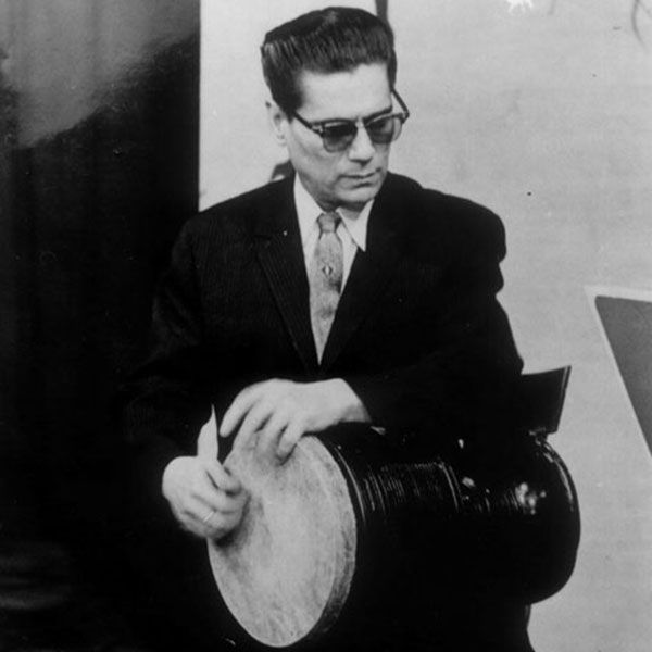 In 1928 Hossein Tehrani became interested in studying music professionally, and took private lessons from music master and kamanchehكمانچه player Hossein Khan Esmail-Zadeh. Hossein was keen to observe different tonbak playing styles so he attended the music classes of master tonbak players such as Reza Ravanbakhsh and Kangarlo. He wanted to learn more about Iranian traditional music, and therefore formed a relationship with the great music master and multi-instrumentalist Abolhasan Saba