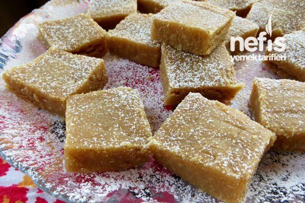 Pudra Şekerli Un Helvası Tarifi sütlü