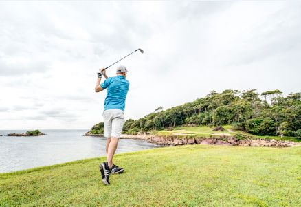 If you've heard of Bintan Island, it's most likely in a sentence that mentions the Ria Bintan Golf Course*. Just 5 minutes from Club Med Bintan Island, courses in Ria Bintan make the most of the island's beautiful native jungle and incredible coastlines. Golf enthusiasts, paradise is right there!