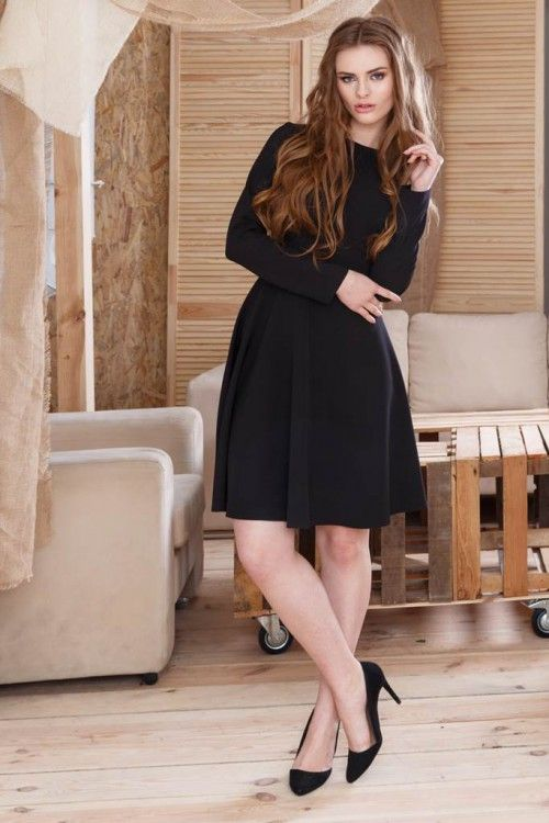 Rochie clos neagra Focus: inspiră eleganță și grație. Poate fi o ținută casual, office sau cocktail, accesorizata potrivit fiecarei situatii.