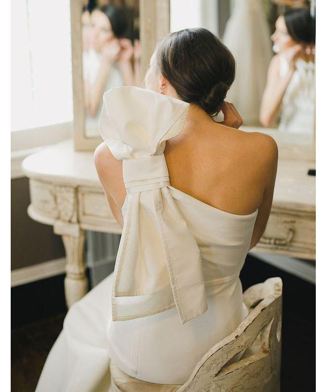 Modern Bow Wedding Dress