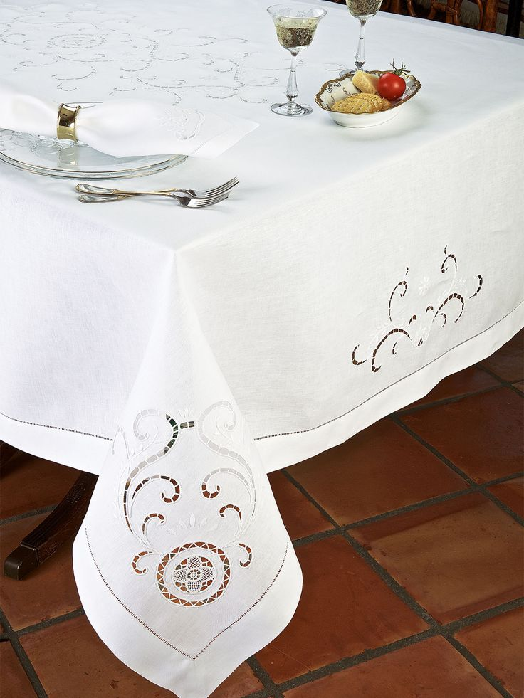 Pisa - Luxury Table Cloths - The extraordinary beauty of centuries old cutwork, hand embroidery and hemstitching, is expertly crafted for today''s aficionados on crisp 100% Italian linen