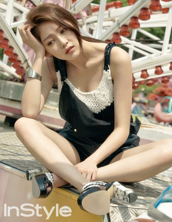LJH's wife, Gong Seung Yeon for InStyle Mag. She's so lovely. :)