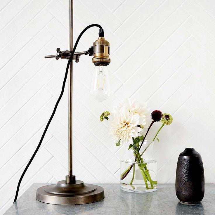 11 best luminaires de salle de bain images on pinterest bathroom ideas bathroom light. Black Bedroom Furniture Sets. Home Design Ideas