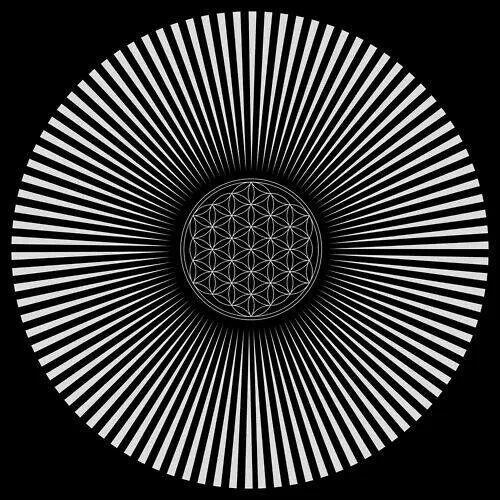 Fractal. Sacred Geometry. Geometría sagrada. Efecto óptico (Mirando fijamente al centro durante medio minuto aparece el arcoiris, al cerrar los ojos se ve movimiento). ♥ #sacredgeomtry #art #inspiration