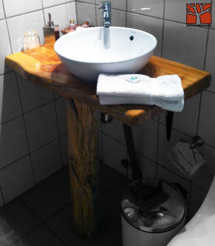 Nativo Redwood. Vanitorio de madero de Ciprés rústico de una pieza con borde irregular con base de rama de ciprés. www.facebook.com/nativoredwood