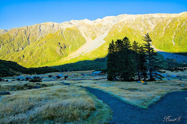 Mount Cook National Park | Flickr - Photo Sharing!  possibly White Horse camp site