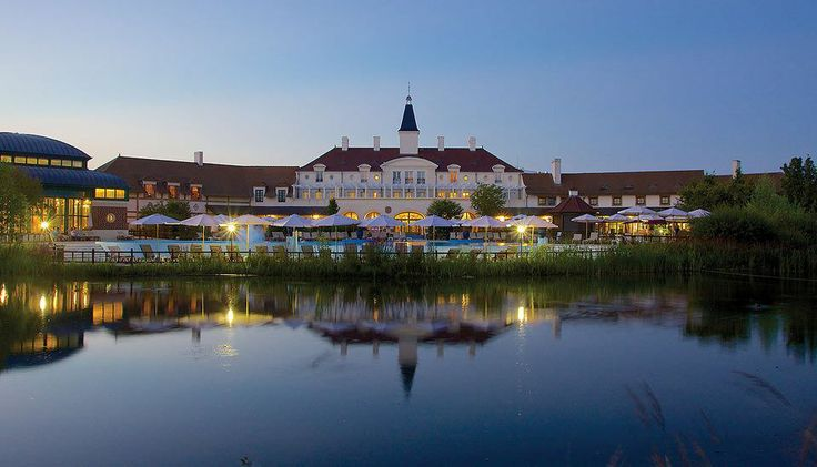 Visit the sights, sounds, and tastes of Paris France and stay at a beautiful Marriott Vacation Club Resort