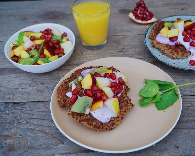 Vanløse blues.....: Quinoa klatkager med frisk frugt og blåbær yoghurt