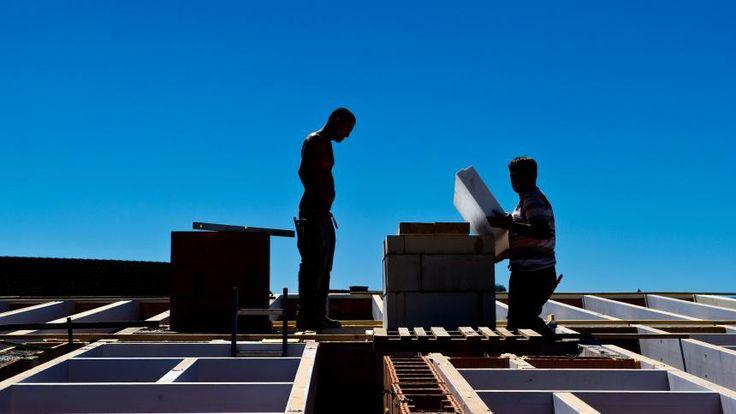 Immobilien: Die Bauzinsen steigen - was Sie jetzt NICHT tun sollten. Bild: spiegel.de http://www.spiegel.de/wirtschaft/service/bauzinsen-steigen-soll-man-jetzt-schnell-kaufen-oder-warten-a-1123104.html
