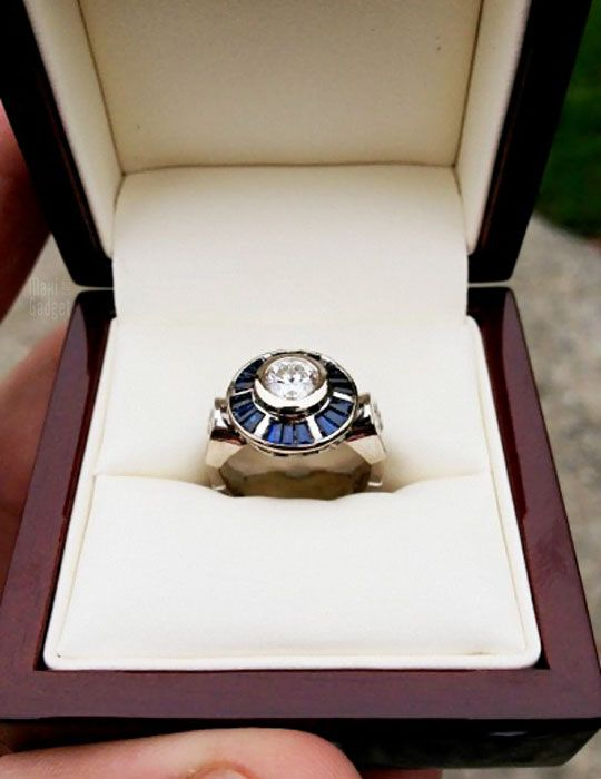 Awesome R2-D2 engagement ring
