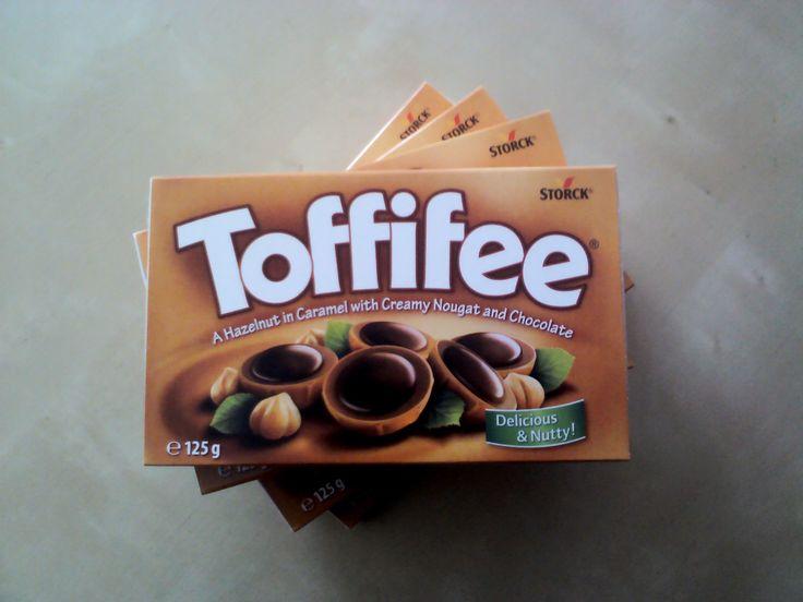 80'ler de Almanya deyince akla gelen ilk çikolata markası   Toffifee Karamel ve Çikolata Kaplı Fındıklı Nuga  www.cikolatalimani.com