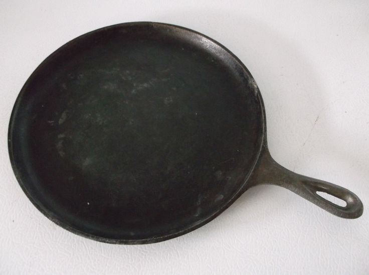 Vintage Lodge Cast Iron Griddle by MonasChickenRanch on Etsy https://www.etsy.com/listing/244122517/vintage-lodge-cast-iron-griddle