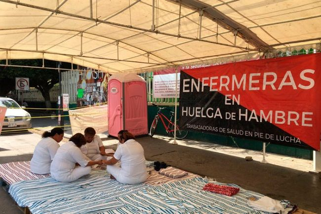 Inician huelga de hambre en Tuxtla Gutiérrez, Enfermeras - http://www.notimundo.com.mx/salud/huelga-tuxtla-gutierrez-enfermeras/