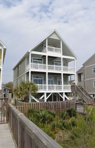 Prices Place – Surfside Beach Rental Bedrooms: 6 | Baths: 6 Full & 1 Half | Accommodates: 16 | Oceanfront | 1617 South Ocean Blvd. | Ocean Front (North) | 1.5 miles north of the Garden City Pier