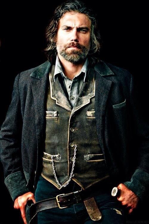 .@ansonmount THIS is Mr. Cullen Bohannon Shared by Nel Smit w/Don Italiano #HellOnWheels @HellOnWheelsAMC 8/2 9pm pic.twitter.com/qylXaxlhcG