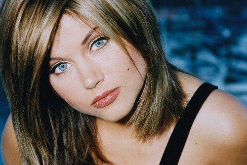 Kelly-Kapowski-Tiffani-Amber-Thiessen-037.jpg (1000×1509