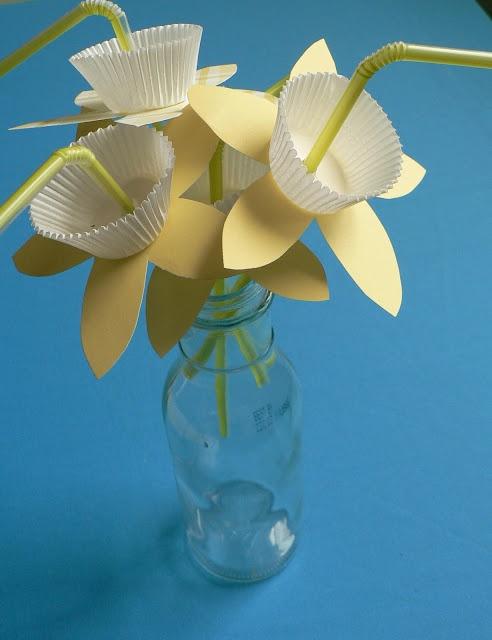 straw daffodils for spring