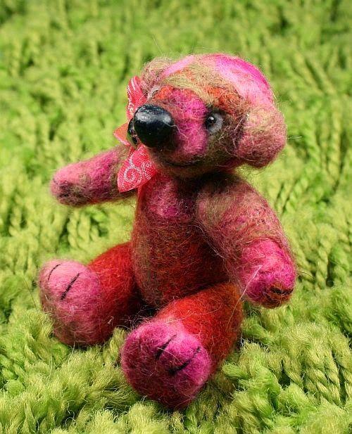 Larris handmade soutache and OOAK: Bima needle felted OOAK teddy