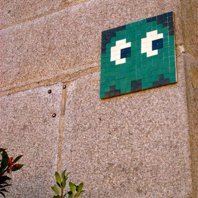 Les invasions marrantes de Space Invaders  Space invaders - Art urbain  Graphic Design © Invader