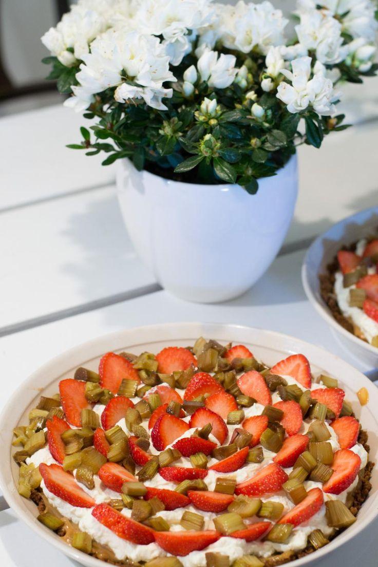 strawberry rhubarb banoffee mansikka-raparperi banoffee