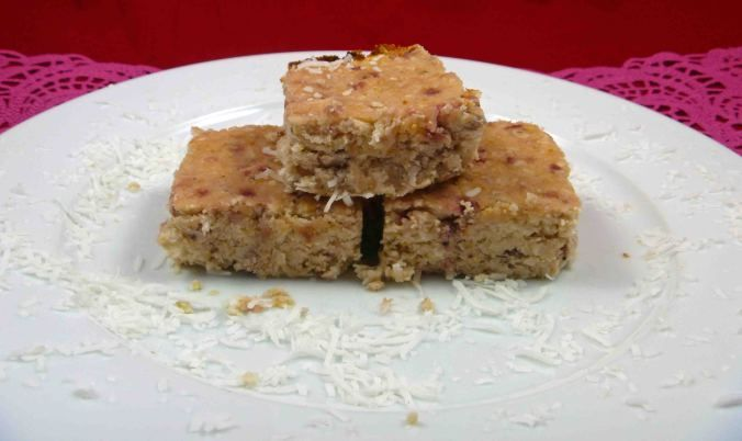Find the recipe for this Strawberry and coconut chickpea blondie made with no refined carbohydrates over at my blog.