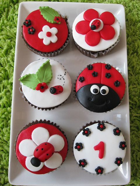 Adorable Ladybug Birthday Cupcakes. #food #cupcakes #spring #kids