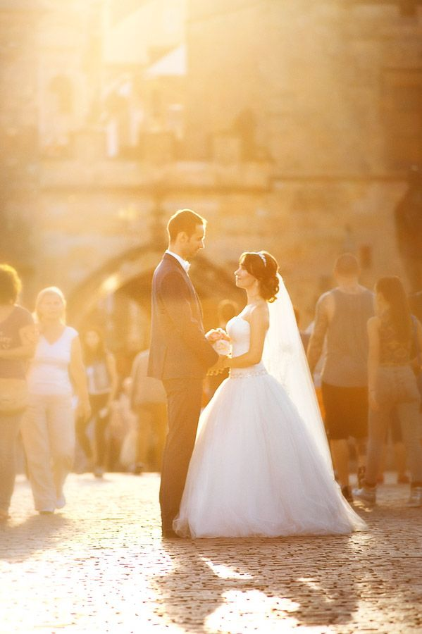 Свадебная фотосессия в Праге: рассвет на Карловом Мосту  http://vladimirpolansky.com/