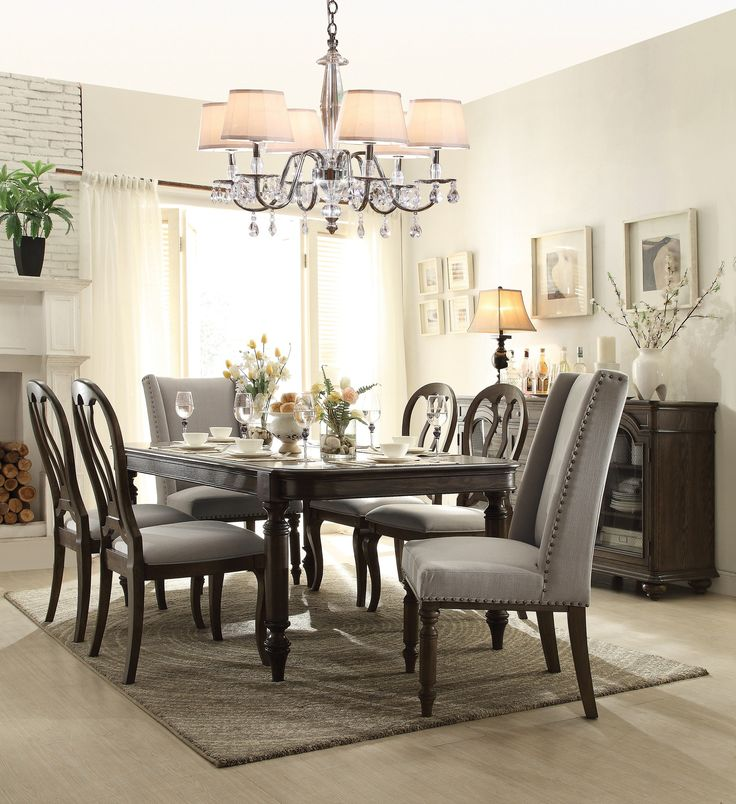 5 Super Easy Ideas to Update Your Dining Room Over the Weekend | Huffman Koos Furniture