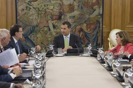 El Rey Felipe preside por primera el Consejo de Ministros con asistencia perfecta del Gabinete - http://plazafinanciera.com/rey-felipe-preside-primera-vez-consejo-ministros-deliberante/ | #ConsejoDeMinistros, #FelipeVI, #Rey #Política