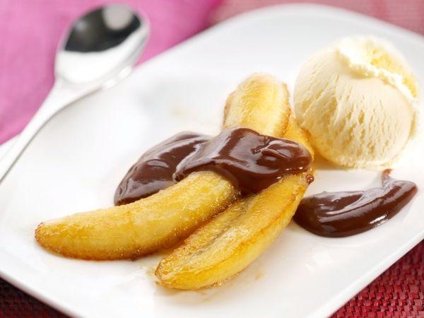 Gebakken banaan met warme chocolade - Libelle Lekker!