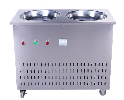 Flat_Pan_Fried_Ice_Cream_Machine Fried ice cream machine can fry any sugary liquid in an instant. The fried ice cream has strong enjoyment and good taste. Chopped fresh fruits or preserved fruits can be added to have the fried ice cream with better flavor.