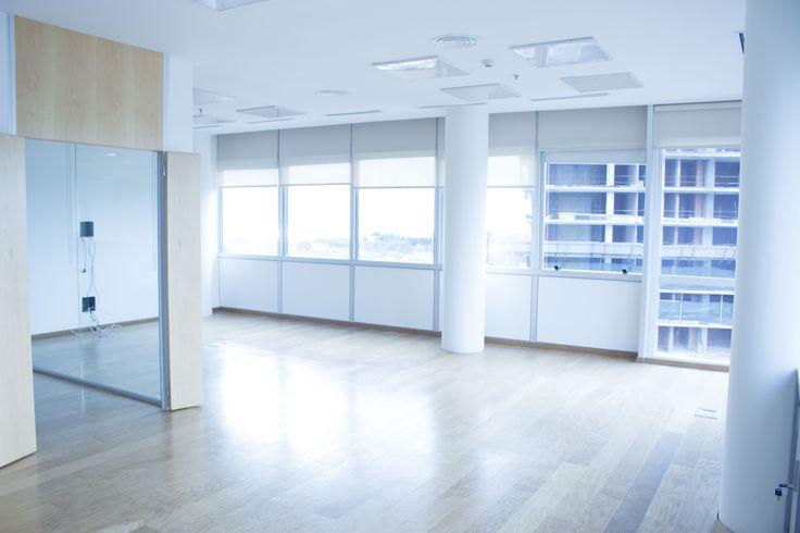 Piso Disponible:9 Superficie propia disponible:642 Precio expensas m2:U$S6.00 Alquiler Mensual (USD + IVA):U$S23,094.00 + IVA (*) Valor expresado en dólar Banco Nación.  ••• Coldwell Banker Commercial Grow – Nos especializamos en la comercialización de oficinas. Ofrecemos alquiler de oficinas en Vicente López. Somos especialistas en alquiler de oficinas en Zona Norte. Contamos con oficinas en alquiler en Vicente López •••