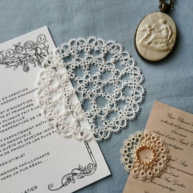 製作中 少しずつですが、大きくなりつつある100番糸のレースです。 #ブランボヌール#blancbonheur #タティングレース#tattinglace #frivolite#ウエディング#wedding#アンカー100番 #製作中#オリジナルデザイン