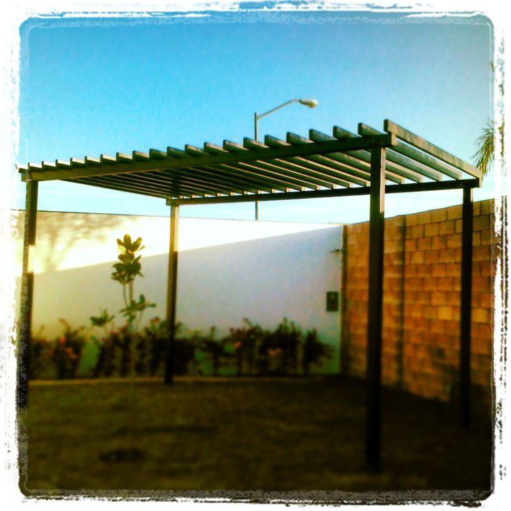Pergola de acero para jardin instalaciones profesionales for Pergolas de acero