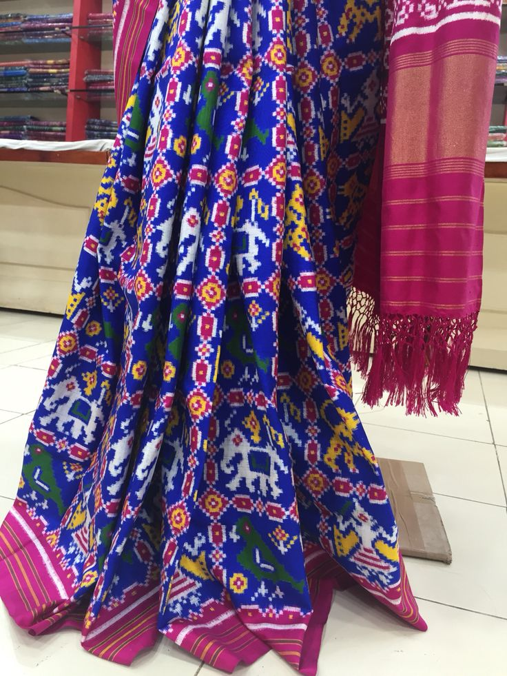 Exclusive Patan patola saree From sindhoi patola art Www.patanpatola.co.in Whatsapp 09510111976