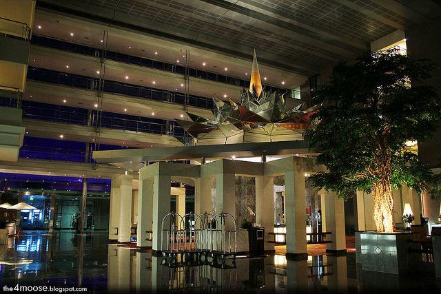 Novotel Bangkok Suvarnabhumi Airport merges tradition and modernity. #JetsetterCurator