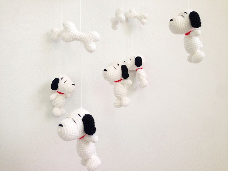 Baby mobile - Amigurumi Snoopy Baby Crib mobile, Snoopy baby mobile, Nursery decor,Snoopy crochet mobile, Dog crochet mobile, Snoopy Gift by IvoryTreeHouse on Etsy https://www.etsy.com/listing/262987529/baby-mobile-amigurumi-snoopy-baby-crib