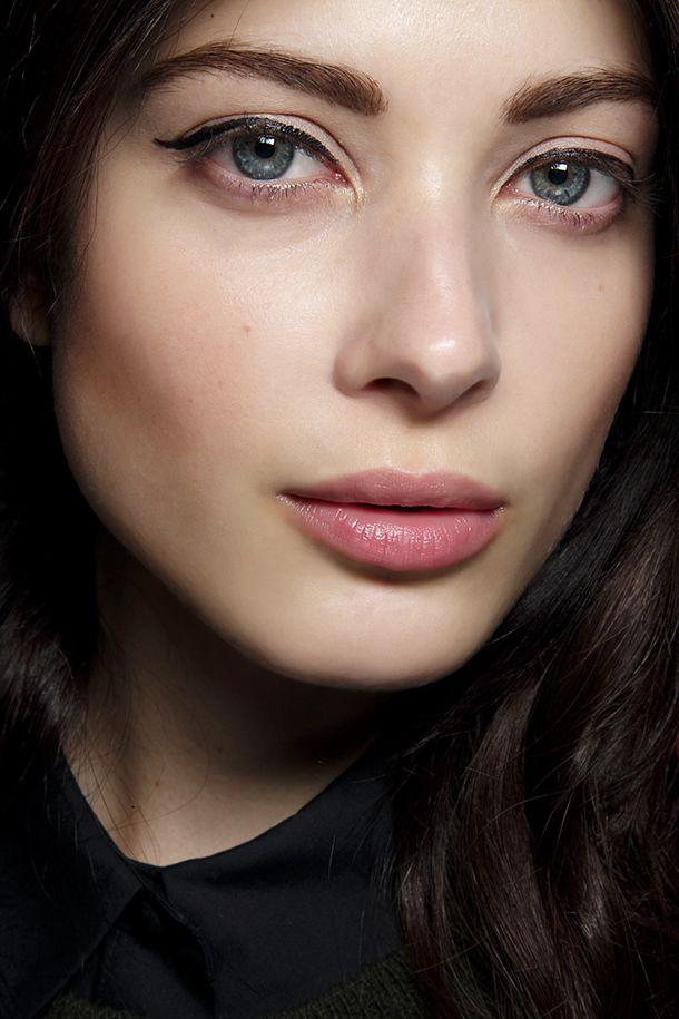 Wir fanden die beste Apotheke Liquid Eyeliner (und es ist unter $ 5) - http://www.modedamen.org/wir-fanden-die-beste-apotheke-liquid-eyeliner-und-es-ist-unter-5/