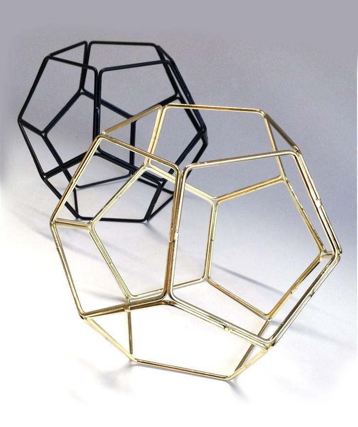 Dodecaedro  - Pieza decorativa, alambre. $60.000 COP c/u. Cómpralo aquí-->  https://www.dekosas.com/productos/hogar-decoracion-5am-dodecaedro-decorativo-detalle