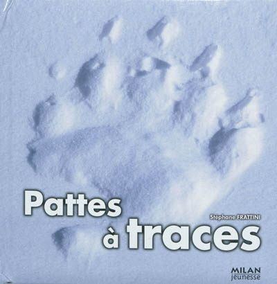 Un livre de photographies pour découvir les empreintes des animaux grâce à des volets amovibles : ours blanc, lion, lièvre, tortue de mer, tapir, etc.