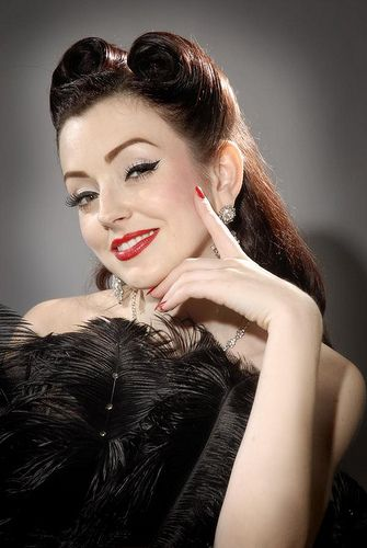 1940 Victory Rolls Hairstyles Pin up girl victory rolls