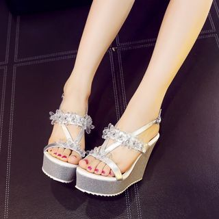Buy YOUIN Rhinestone Wedge Sandals at YesStyle.com! Quality products at remarkable prices. FREE WORLDWIDE SHIPPING on orders over CA$ 45.