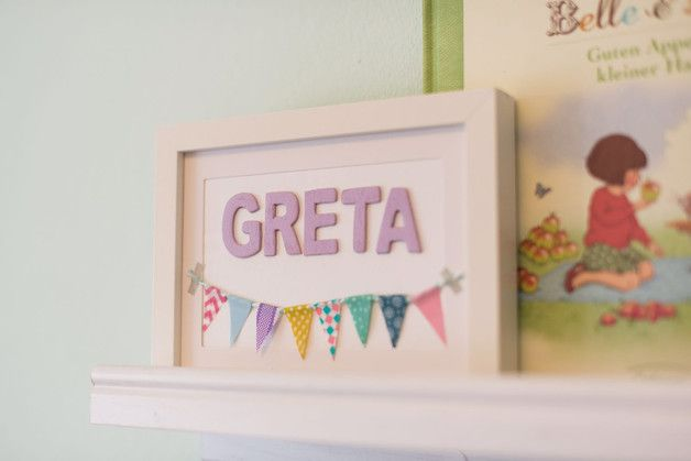 Kinderzimmerdekoration - Namensschild Türschild mit Wimpelkette im Rahmen - ein Designerstück von LittleLetters bei DaWanda