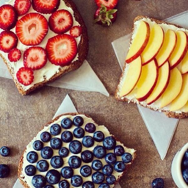 Dzień Dobry!!! Na którą z kanapek, macie dziś ochotę? ;) Miłego dnia!!! W wolnej chwili zapraszam na: http://fitnella.pl/truskawkowo-serowe-grzanki.html
