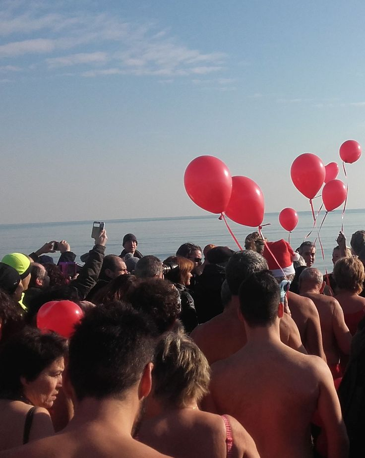 #VeniceLido #beach (01.01.16) - winter swimmers are coming