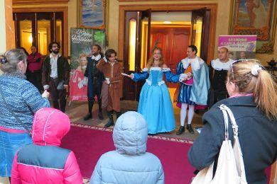 La Laguna festeja en la calle el Día Mundial del Teatro
