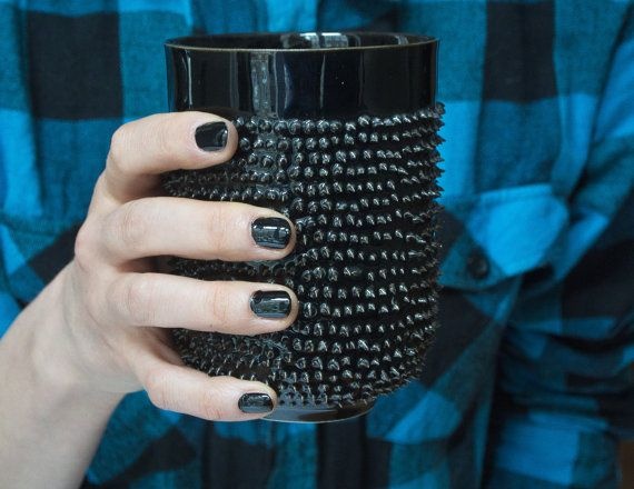 Mugs with Spikes Black and White Big Coffee por KinaCeramicDesign